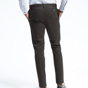 Banana Republic Fulton Skinny Stretch Chino